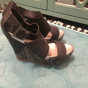 Day Trip by Buckle Wedges